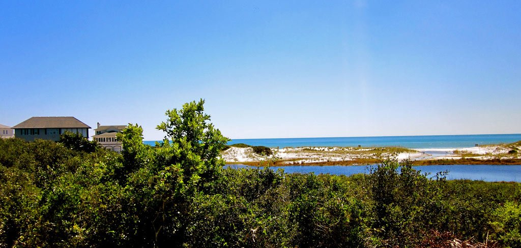 A photo showing the tranquility of the 30A Florida beaches.